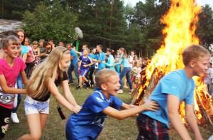 Загородный оздоровительный лагерь «Искожевец» посетили 190 юных красноярцев спортивной школы «Спутник»